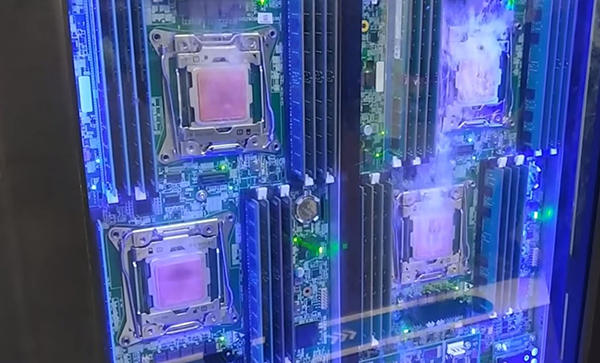 Coolingzone Com Zte Makes Splash With Server Immersion